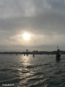 Lampy na moři