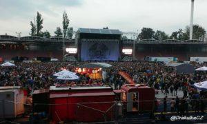 Stadion před koncertem